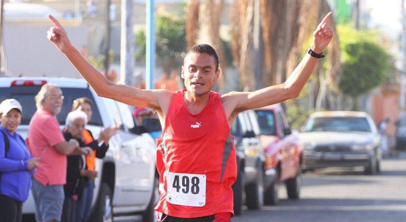 Abraham Noguez ganó la carrera de cinco kilómetros