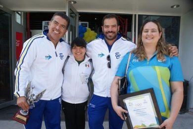 El entrenador Pavel Oceguera, la olímpica Alexa Moreno, Santiago López y la juez olímpica Andrea Gómez